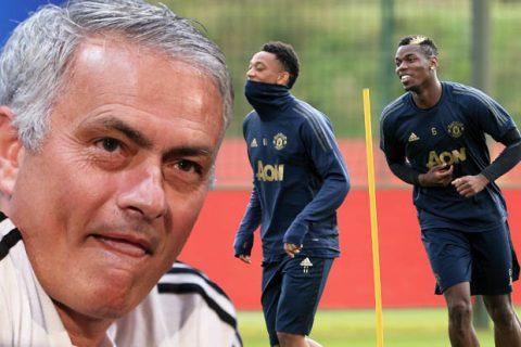 """Mourinho: """"Tôi ngây thơ khi luôn nghĩ các cầu thủ sẽ chơi hết mình"""""""