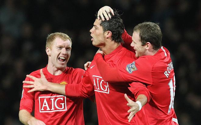 Từng sát cánh cùng nhau 6 năm trời, Paul Scholes bất ngờ nói lời khiến Ronaldo suy sụp
