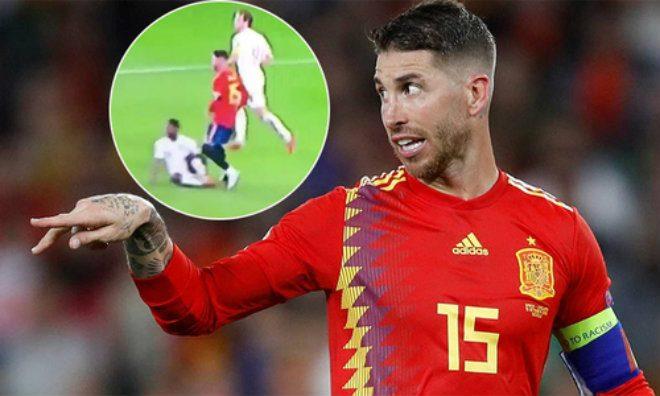 """Tin HOT bóng đá sáng 17/10: Ramos lại """"tiểu xảo"""", triệu fan nước Anh nổi giận đòi công lý"""