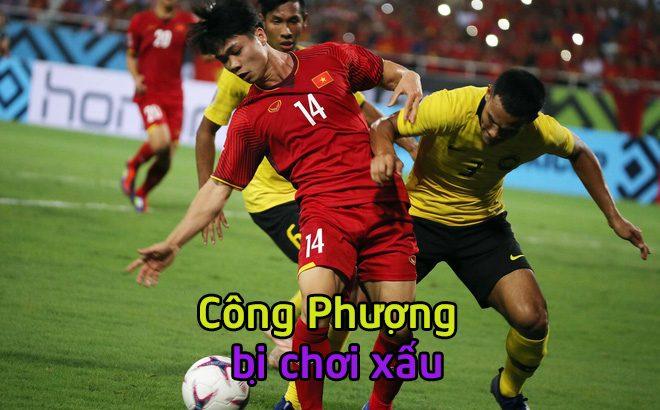 Cộng đồng  người hâm mộ bóng đá ĐNA phẫn nộ khi cầu thủ Malaysia dở trò chơi xấu với Công Phượng!