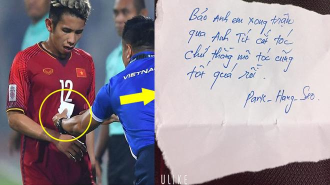 """CHÙM ẢNH CHẾ: Cười vỡ mật với """"mẩu giấy"""" của thầy Park đưa cho Hồng Duy khi qua tay mấy thánh photoshop"""