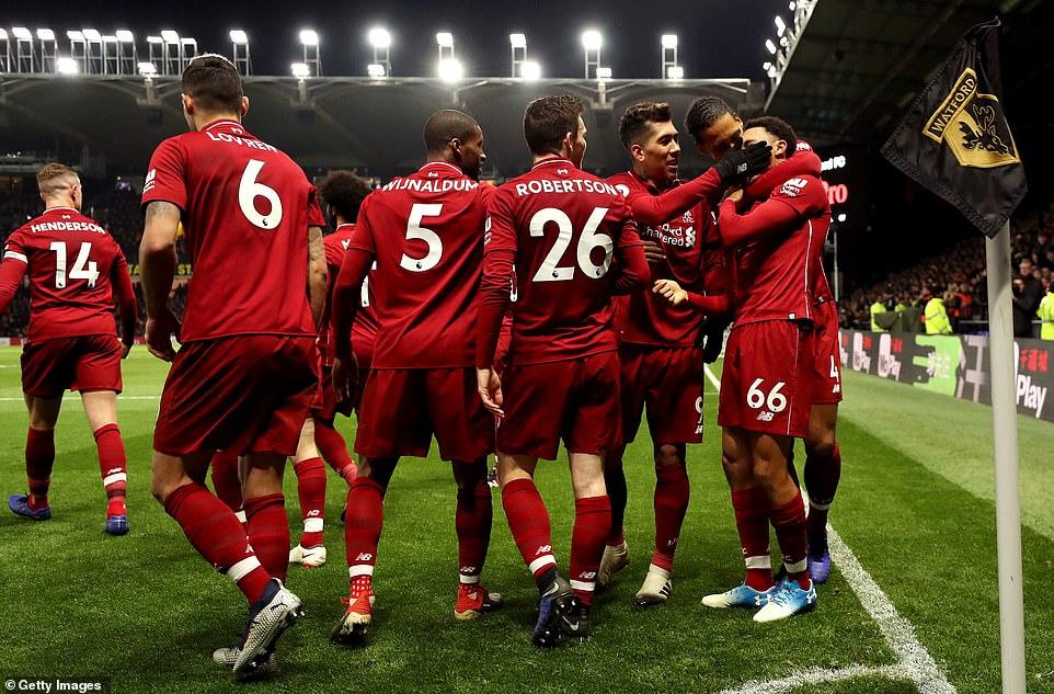 Thẻ đỏ oan nghiệt, Liverpool vẫn giành thắng lợi nhờ hàng công chói sáng, qua đó tiến rất gần tới ngôi đầu bảng NHA