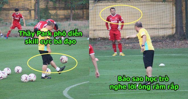 Trong lúc chờ học trò khởi động, thầy Park phô diễn skill tâng bóng không kém gì Ronaldo khiến ai cũng há hốc mồm
