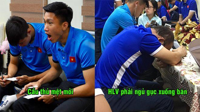 CHÙM ẢNH: Cầu thủ Việt Nam mệt mỏi chờ đợi tận 4 tiếng ở sân bay vì chủ nhà gây khó dễ, phải ăn ô mai chống đói
