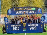 Tin bóng đá sáng 1/8: PSG hoàn tất cú ăn ba danh hiệu