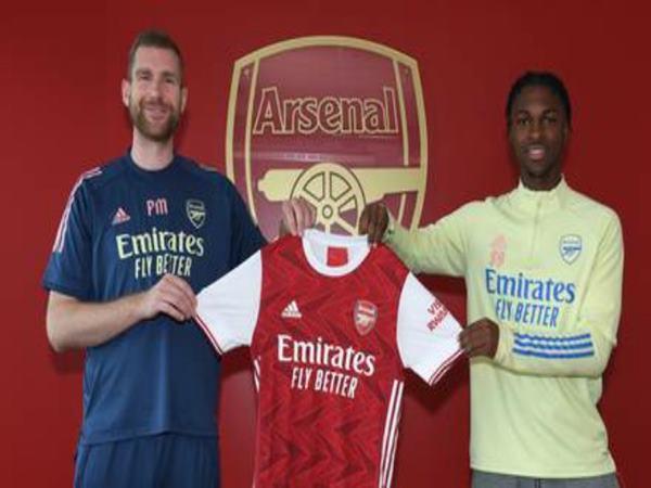 Chuyển nhượng BĐ 23/10: Arsenal lại công bố một bản hợp đồng mới