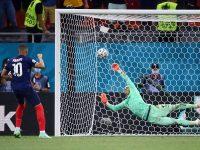 Đá luân lưu là gì? Luật đá luân lưu được FIFA quy định ra sao?