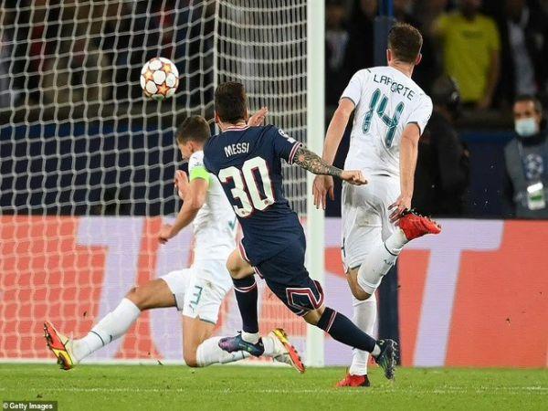 Bóng đá QT sáng 1/10: Bàn thắng của Messi đẹp nhất lượt 2 vòng bảng