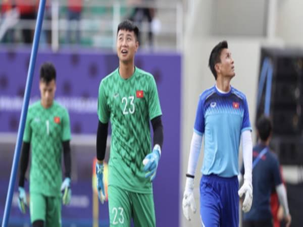 Bóng đá VN 18/10: Lý do Văn Toản  vắng mặt trận gặp Kyrgyzstan